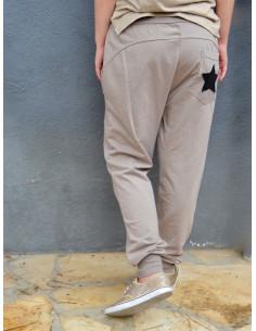 Pantalon de jogging pour femme marron taupe avec etoile sequin sur la poche arrière pur coton