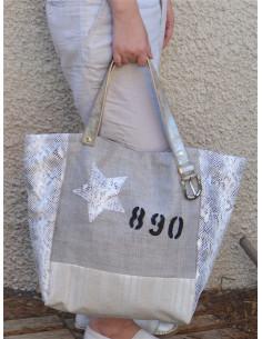 sac a main en lin beige Cabas artisanal en toile tissu rayé blanc et beige et simili cuir imitation python blanc étoile