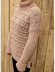 Pull femme avec laine et alpaga col roulé, pull rose pale poudré maille carrée made in italy fente superposition