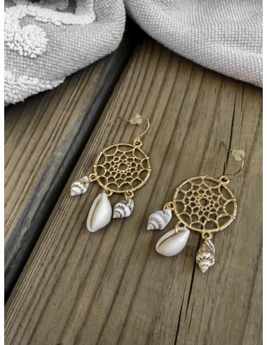 Boucles d'oreille attrape reve doré acier avec papille coquillages