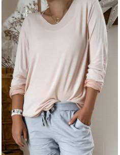Pull fin en maille de coton ROSE PALE POUDRÉ pour femme avec liséré fil pailleté argenté col V style casual made in italy