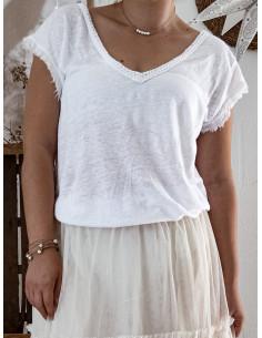 T shirt femme blanc maille 100 % lin col V détail bohème