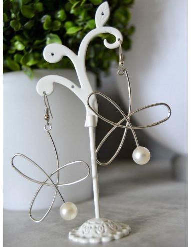 Boucle d'oreille pendante perle blanche fantaisie pas cher argent