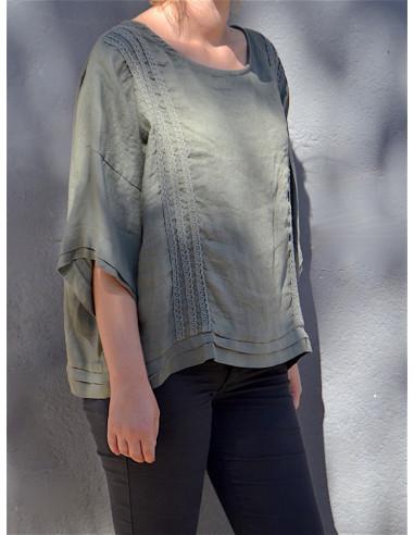 Tunique femme en lin kaki détails en dentelle et boutons au dos blouse bohème