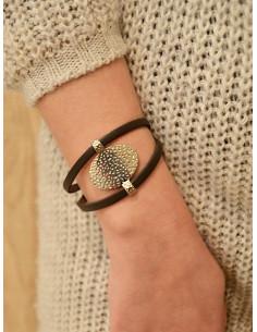 Bracelet cuir femme plaque ovale en acier martelé - Marron
