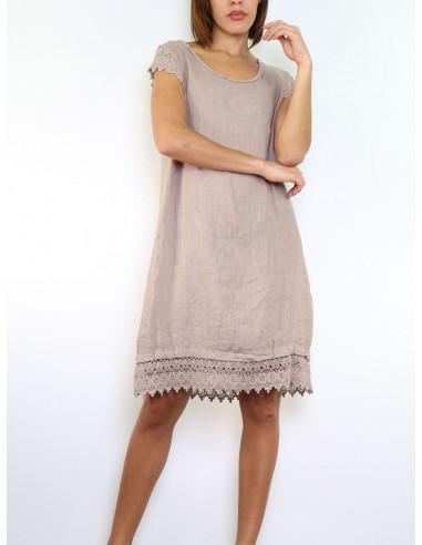 robe en lin taupe avec manches en dentelle macram. Black Bedroom Furniture Sets. Home Design Ideas