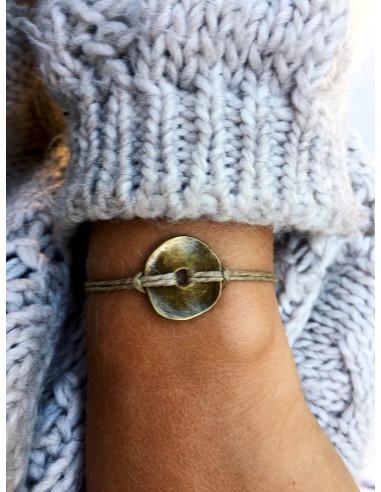 Bracelet en lin avec medaillon medaille martelé bouton acier BRONZE fantaisie marque nature et lin bijoux fait main