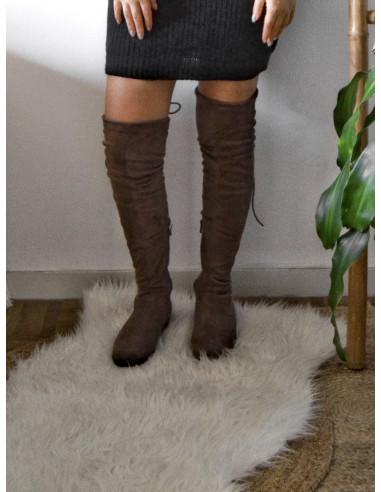Cuissardes chaussettes plates effet daim en suédine taupe