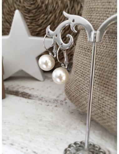 Boucle d'oreille goutte d'eau fantaisie avec perle blanche et tige argentée