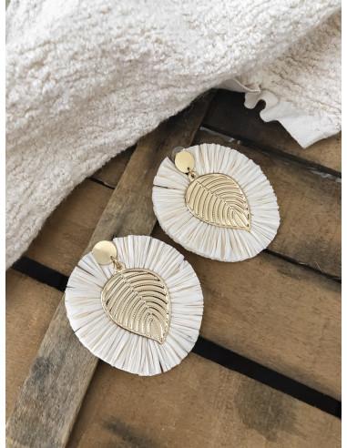 Boucles d'oreilles raphia pendantes dorées feuille franges en raphia bohème chic